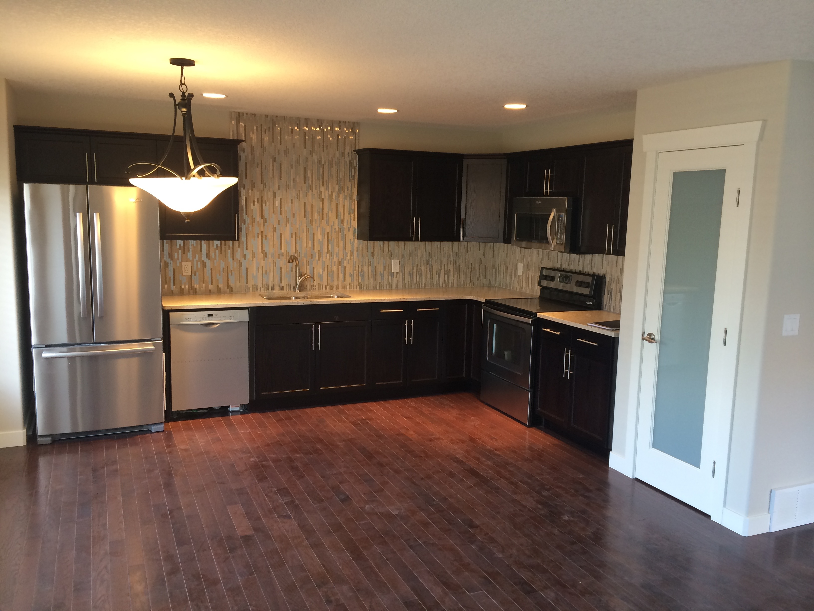 3 Bedroom 2 bath DOWNTOWN Townhouse, 9648 106 ave $1600