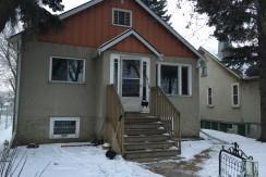 2+1 Bedroom Full house. DELTON. $1400/month pet friendly