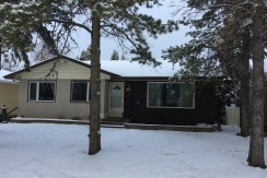 3 bedroom 1 bath UPPER Bungalow, Near U of A. Double garage. $1200/month