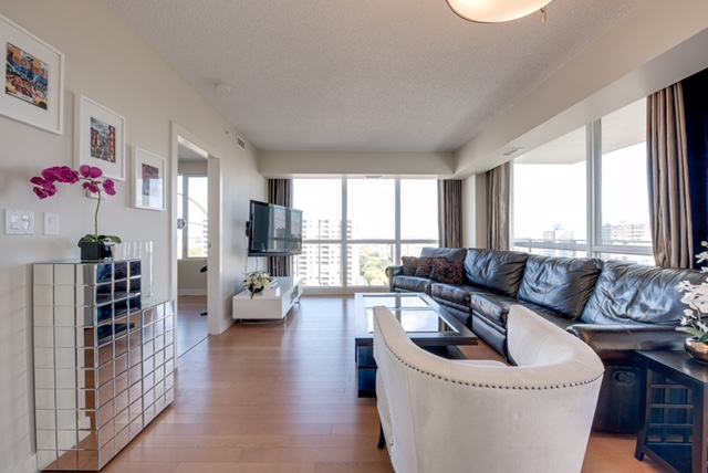 2 bed 2 bath LUXURY condo DOWNTWON $2100/month