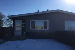Renovated 3 bedroom 1 bath upper duplex $1225