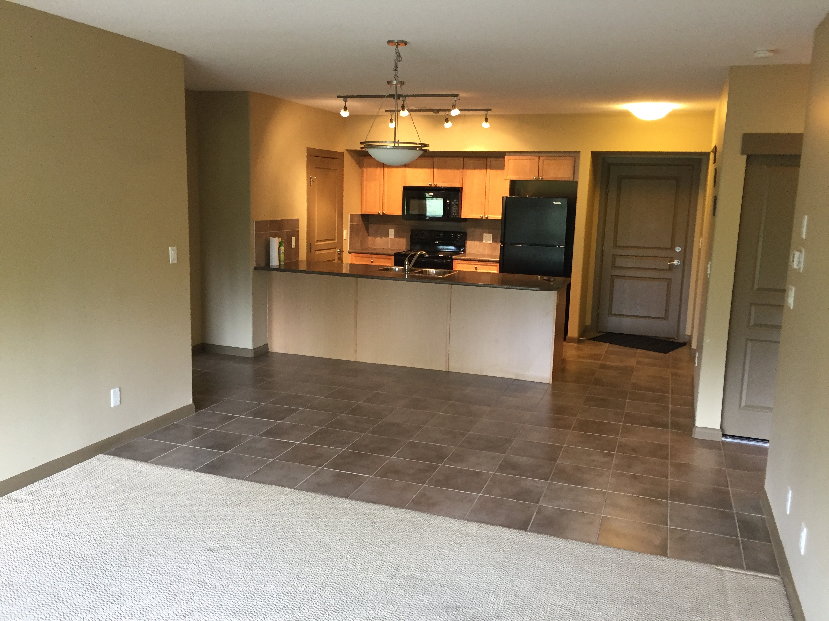 2 bedroom 2 bath + den Condo, Sherwood Park