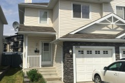 3 bedroom 1.5 bath Duplex. North End. Pet Friendly $1700