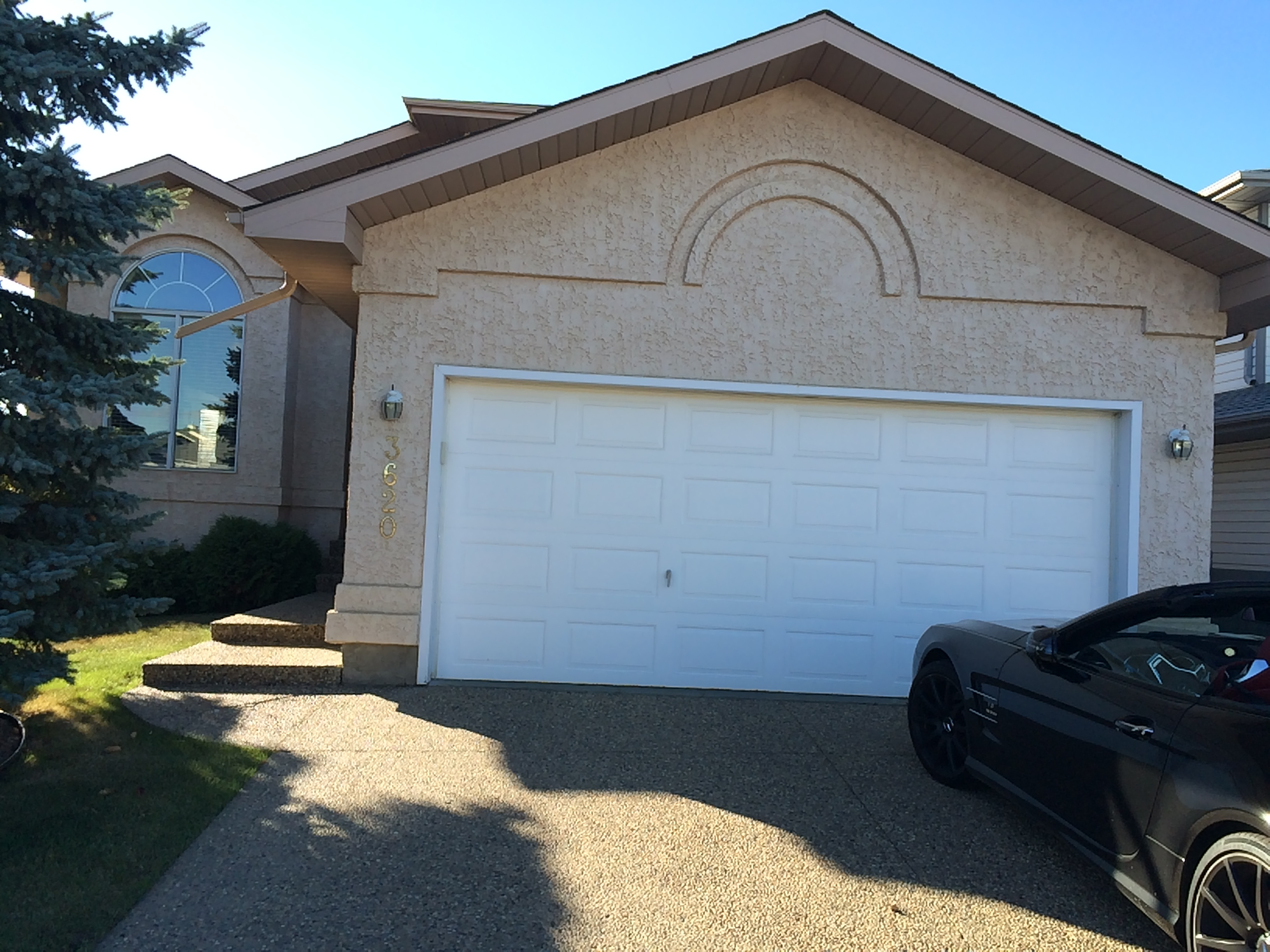 LARGE 4 bedroom 3.5 bath Full house Millwoods. $2200