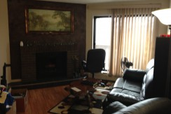 2 bed 1 bath condo, ST-ALBERT… $1100/month