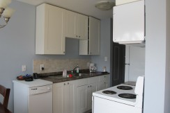 2 bedroom 1 bath Condo. WESTMOUNT $1150/month