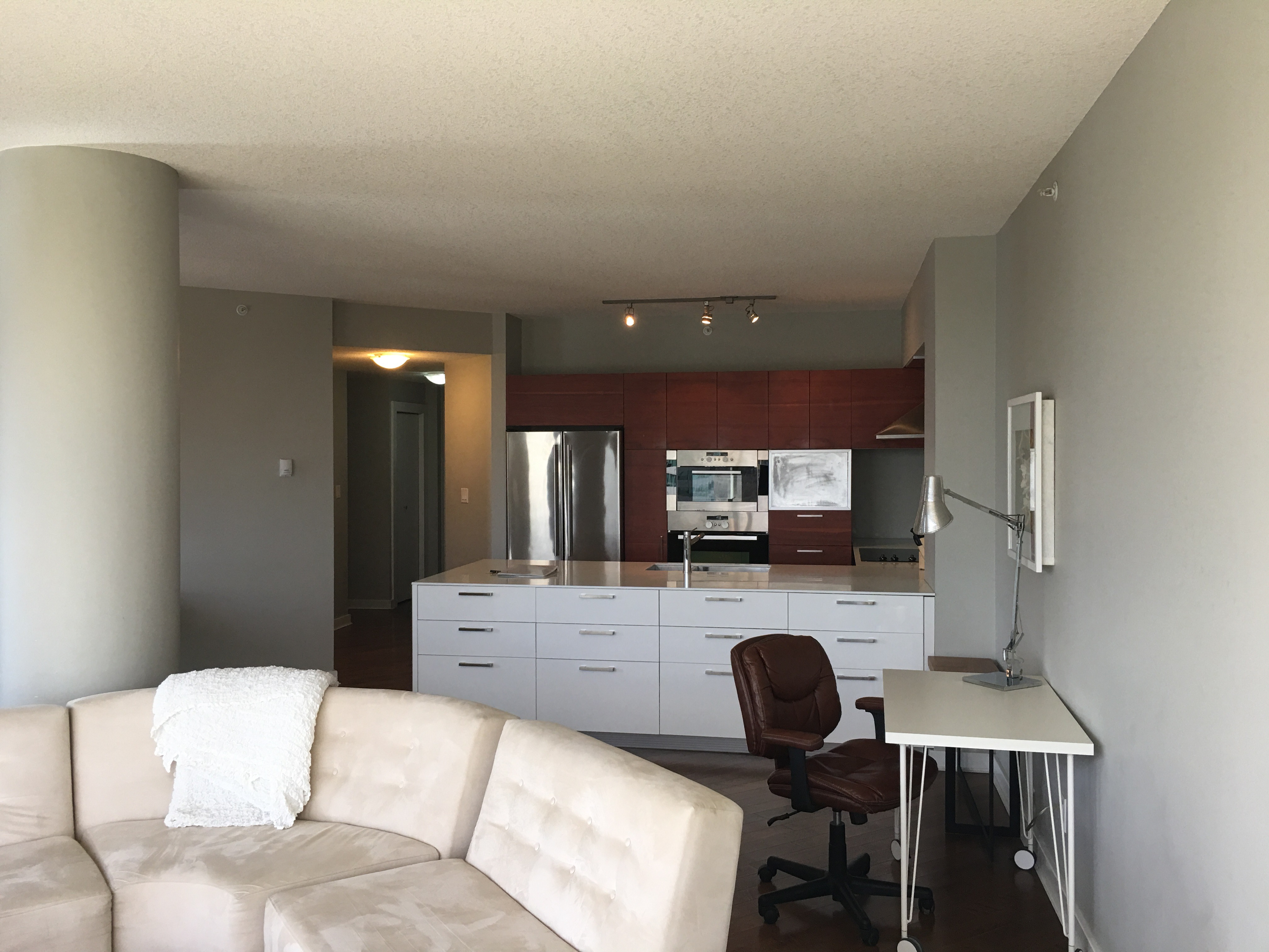 Downtown Executive furnished 2 bed 2 bath Condo, ICON II  $2475/month