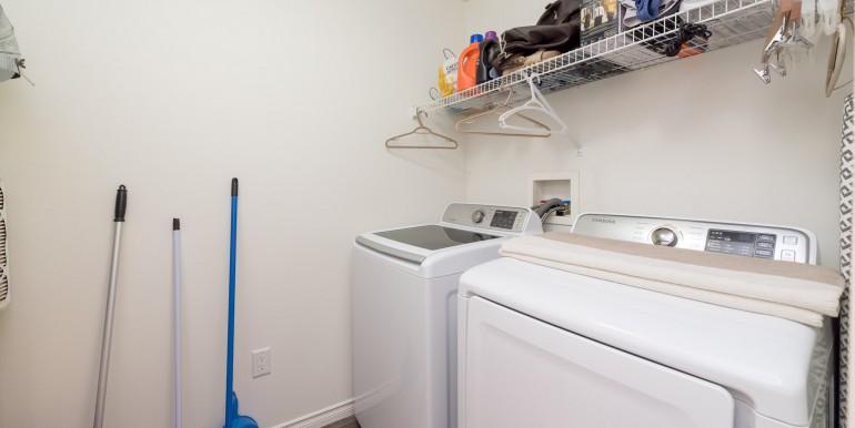 005 -bathroom laundry 001