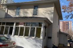3 bedroom 1.5 bath FULL HOUSE DOWNTOWN EDMONTON $1740