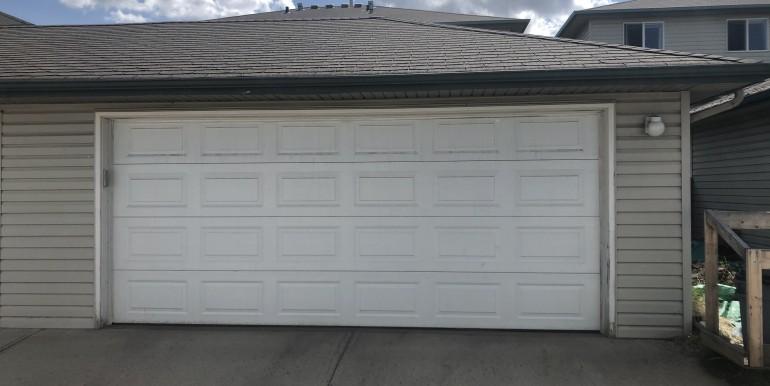 14 - Garage