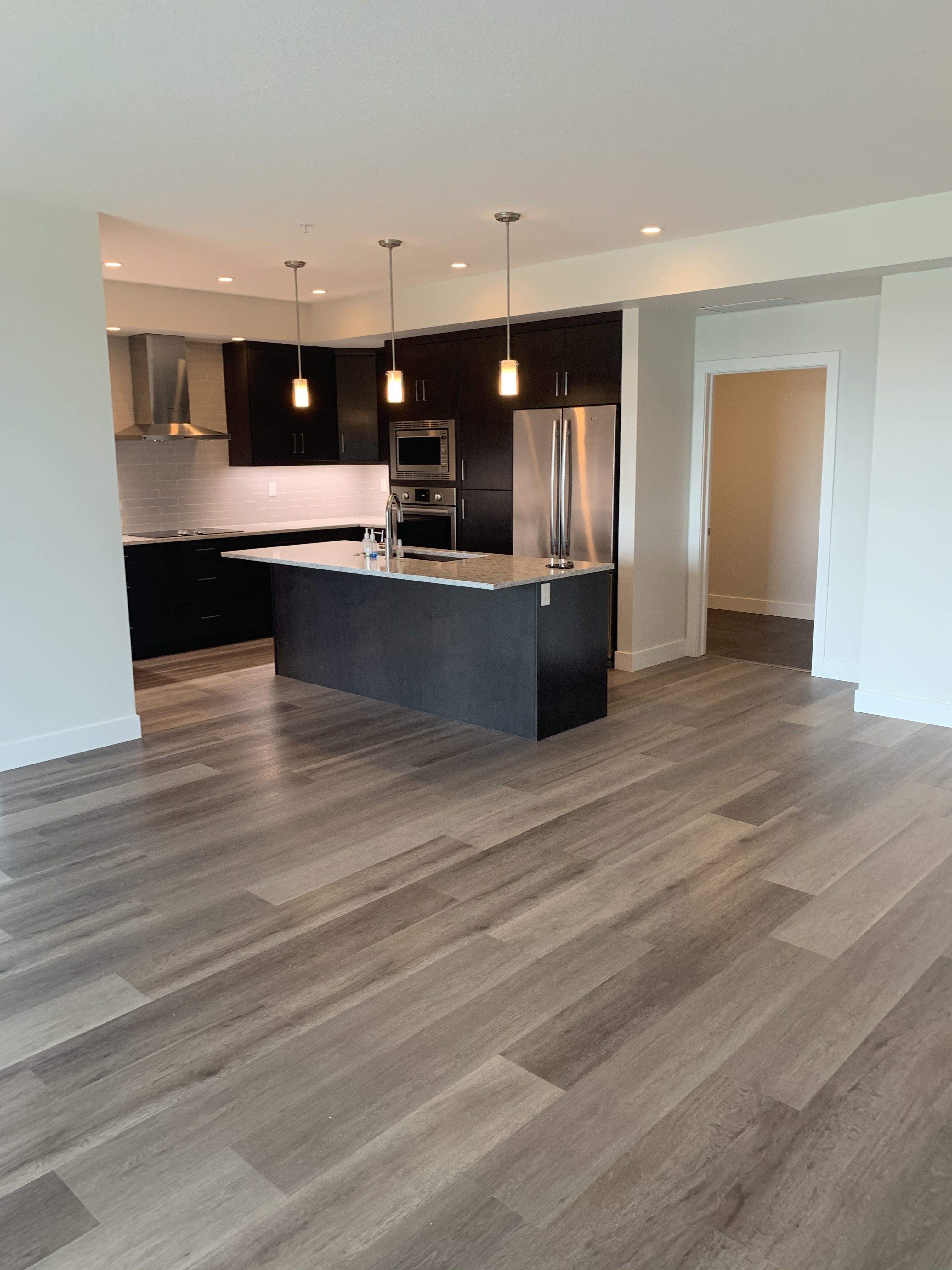 LUXURY 2 bedroom plus DEN 2 bath ADULT CONDO. ST-ALBERT BOTANICA  $2575
