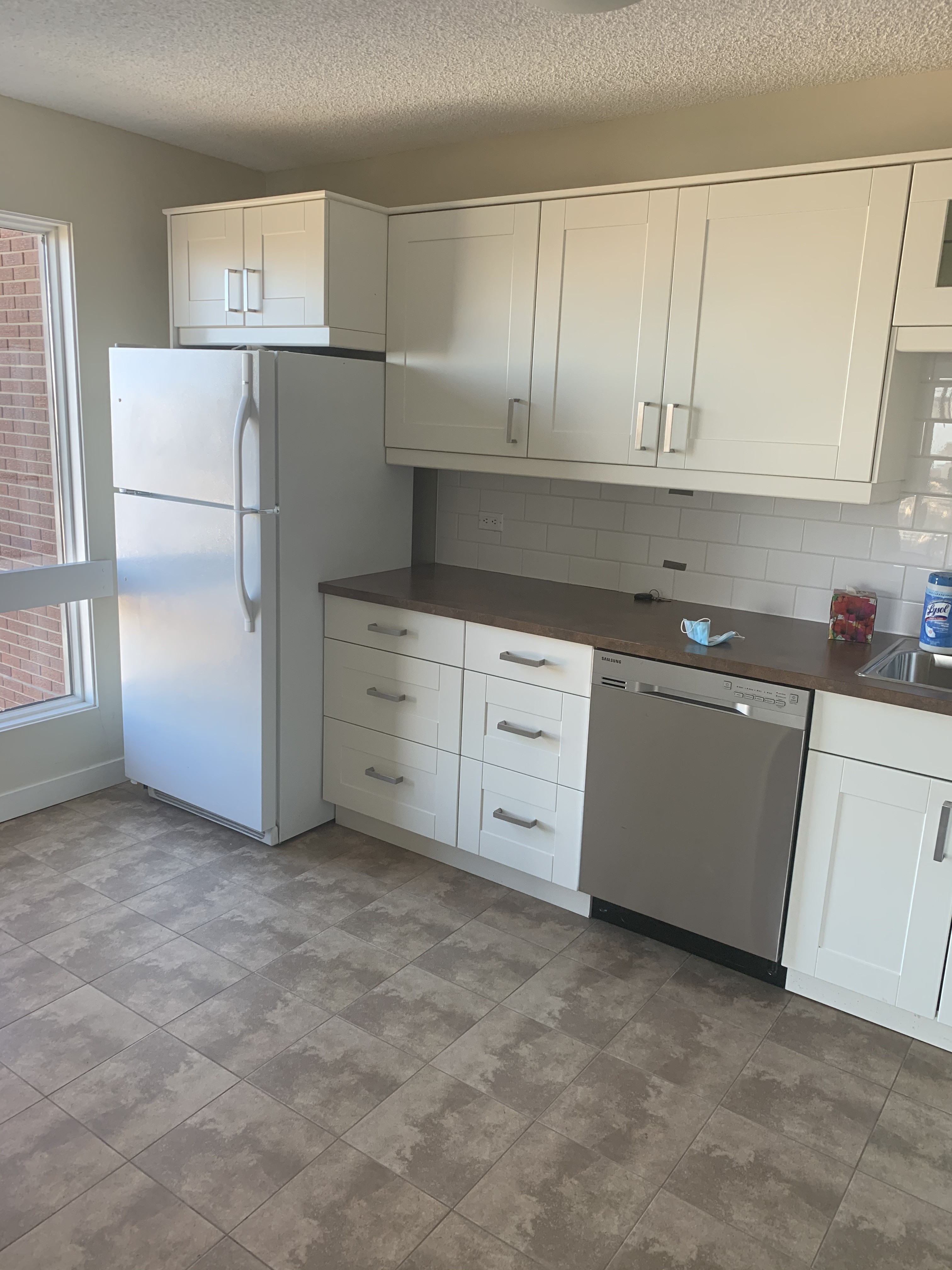 Very Spacious 1 bed 1 bath condo. University area. $1350/month