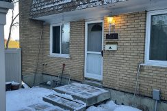 3 bedroom Townhouse, Londonderry Square. $1375/month