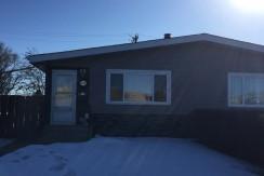 Renovated 3 bedroom 1 bath upper duplex $1225