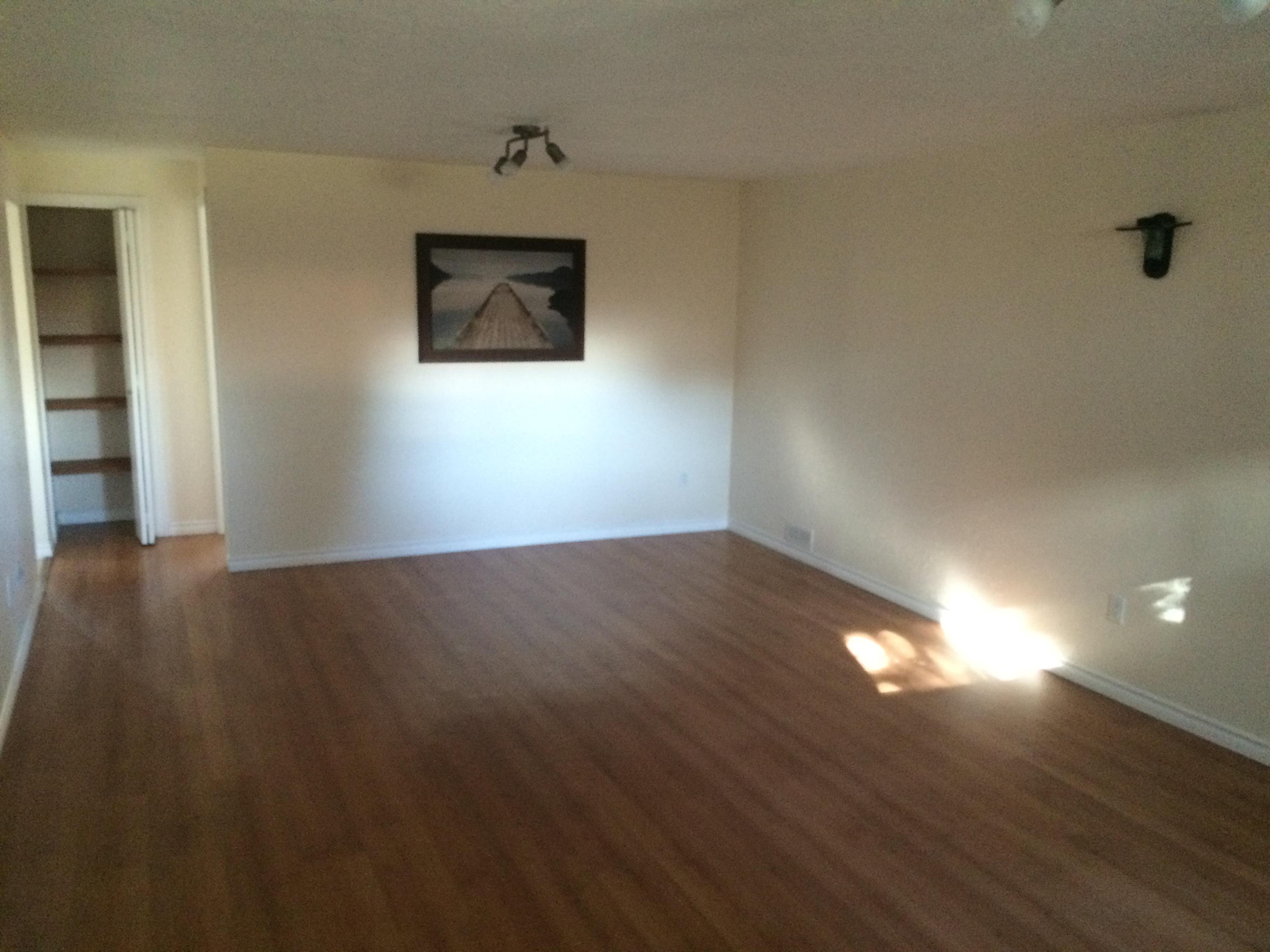 Huge 1 bedroom basement suite $800. Kensington