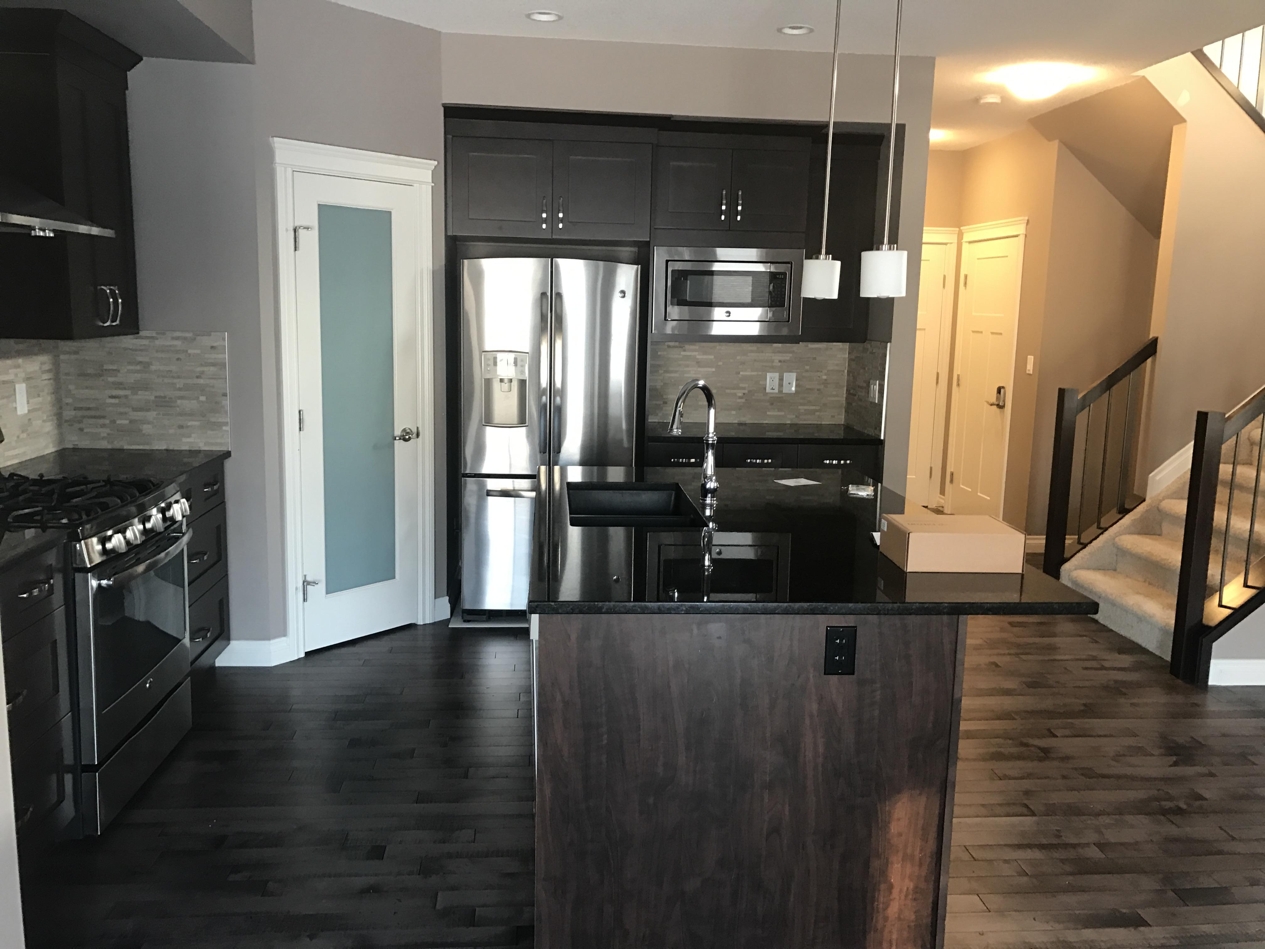 HUGE 3 bedroom 2.5 bath HOME, LEDUC, $1750