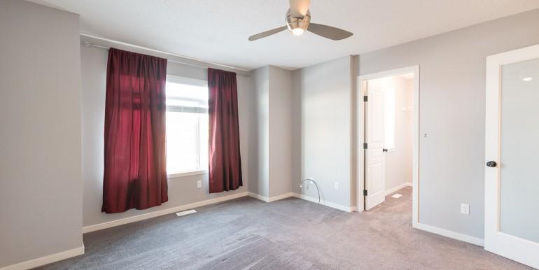 005 mstr bedroom 002