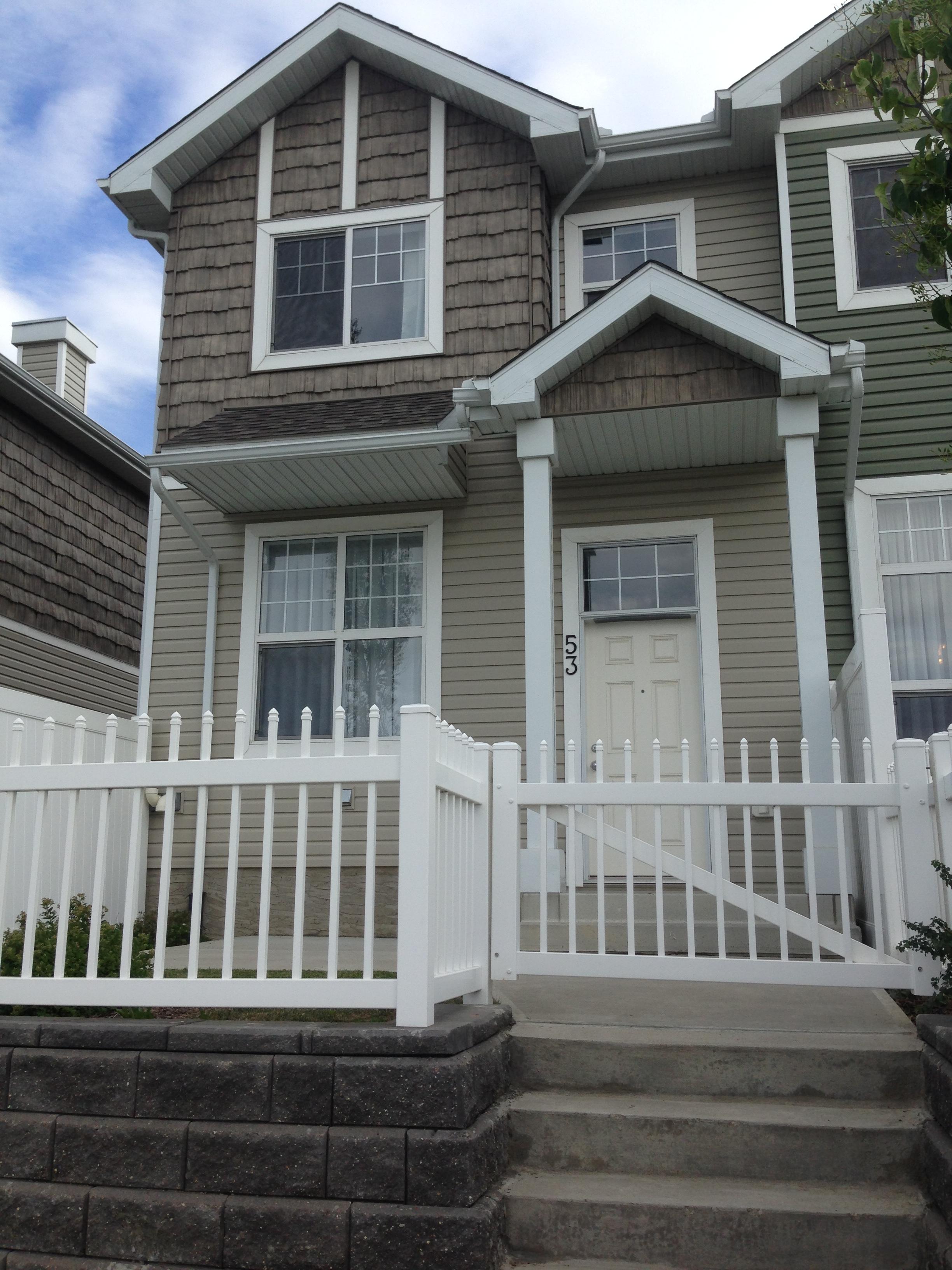 3 bedroom 2.5 bath Townhouse. Terwillegar $1500