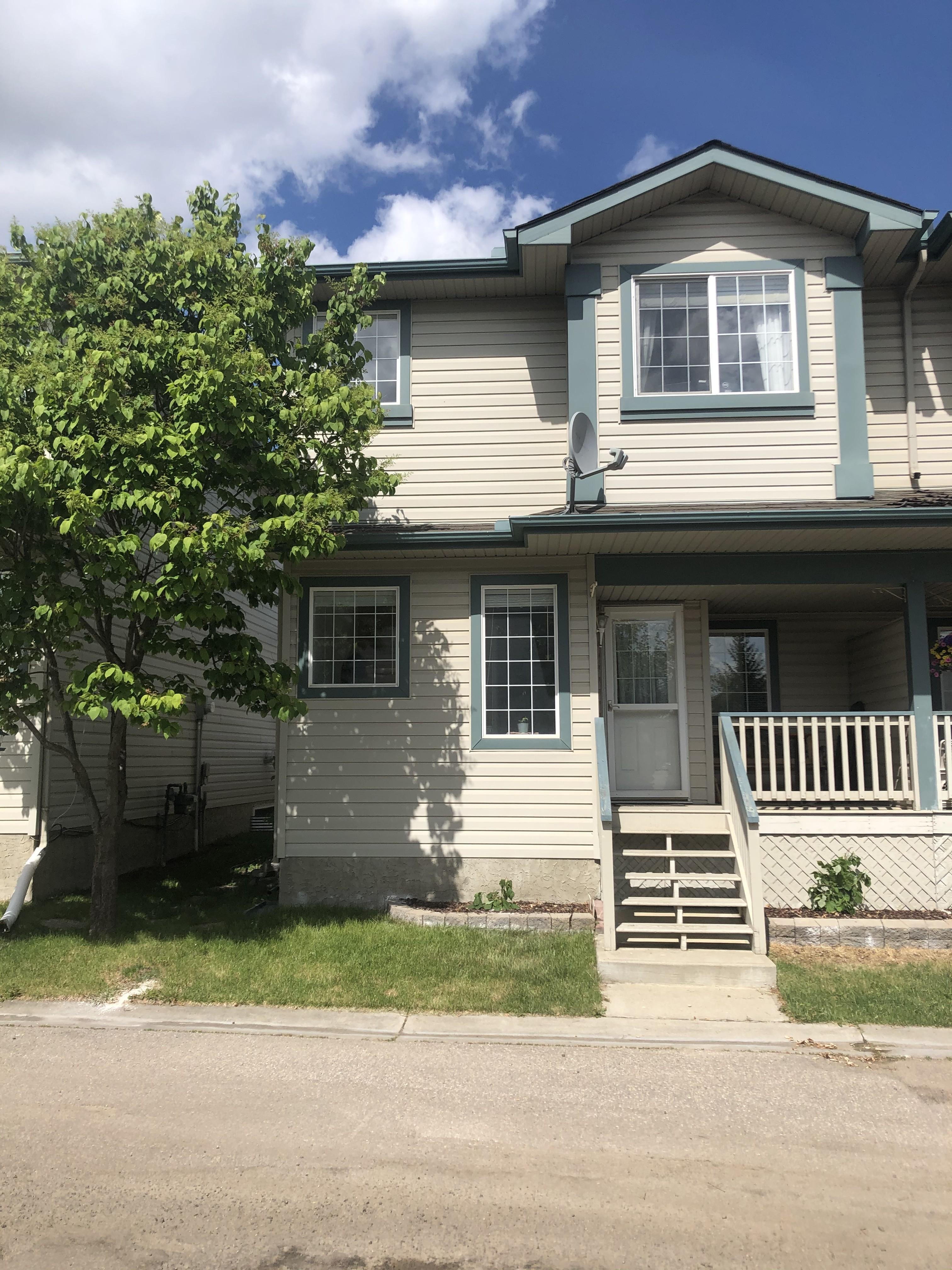 3 bedroom 1/2 duplex, Miller, $1600